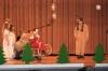 09_weihnachtsmann-beim-geschenke-ausliefern